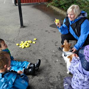 Firbent terapi hund som pedagogisk ressurs